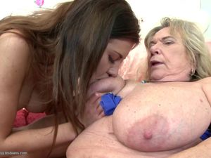 Grannies and moms fuck young lesbian meat