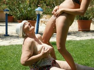 Slideshow 115. (#grandma #granny #mature)