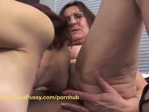 Mature MOM finds a nice surprise in bed