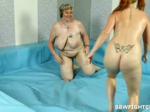Chubby mother Amy wrestling with BBW..