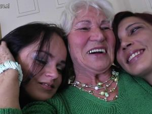 Three old and young lesbians have great..