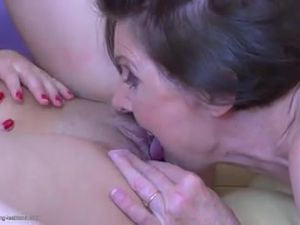Granny s hairy old cunt licked by girl